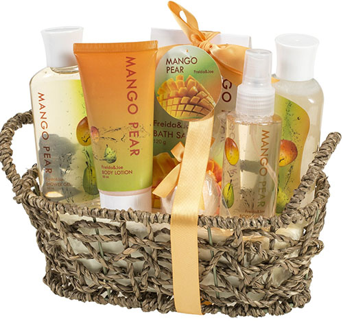 9. Mango Pear Spa Gift Set