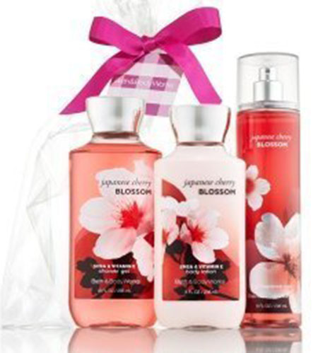 10. Japanese Cherry Blossom Gift Set