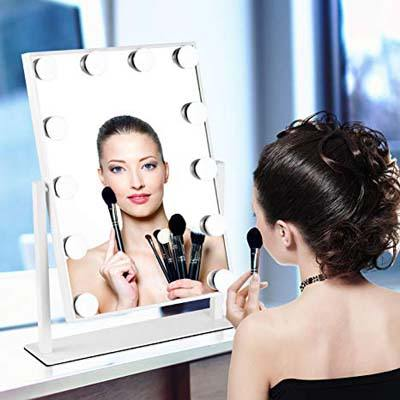9. MRah Hollywood Makeup Mirror